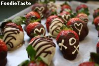 Chocolate-Dipped Strawberries by Yummy Za!