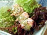 �����ҧ�Ѻ��ԡ����ԡѹ Serrano Mint Sause (Grilled Shrimp in Lettuce Leaves with Serrano-Mint Sauce)