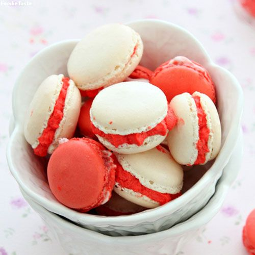 �ٵ��ҡ��ͧ������ʵ�������� - Strawberry and Cream French Macarons