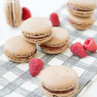 �ҡ��ͧ����ͤ�������������� - Chocolate Raspberry Macarons