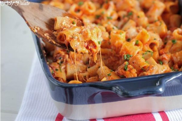 ��ʵ��ͺ����������͡�Ե����¹ (Classic Cheesy Stuffed Sausage Pasta Bake)