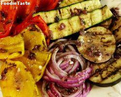 ย่างผักให้อร่อย ต้องใช้น้ำมันที่ผสมสมุนไพรและกระเทียม ทาไประหว่างย่าง เพื่อเพิ่มรสชาติและความหอม